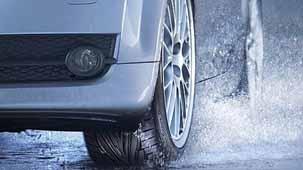 ¿Qué es el aquaplaning y cómo evitarlo?